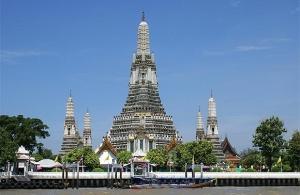 Wat Arun, or the temple of dawn.